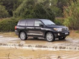 Osmiválcová Toyota LandCruiser prošla omlazením