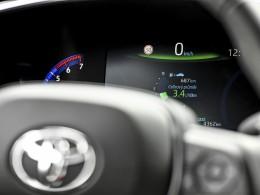 Za kolik lze jezdit hybridem po Praze? Klidně za 3,4 l/100 km