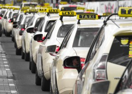 Červenec přinesl nejednu změnu v taxislužbě. Jaké to jsou?