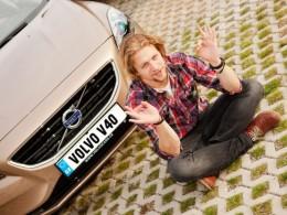 Zpěvák Tomáš Klus jezdí Volvem V40