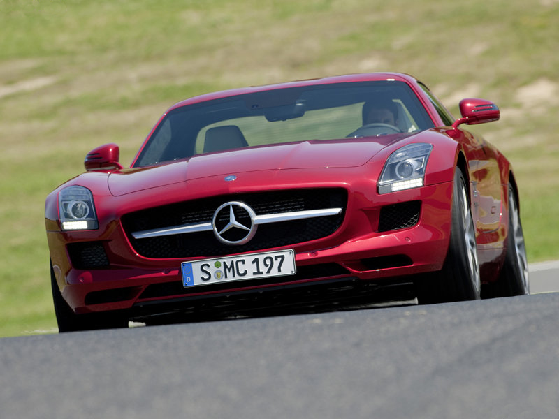 Mercedes SLS AMG: Legendární Racek se vrací a překvapením rozhodně ještě není konec!
