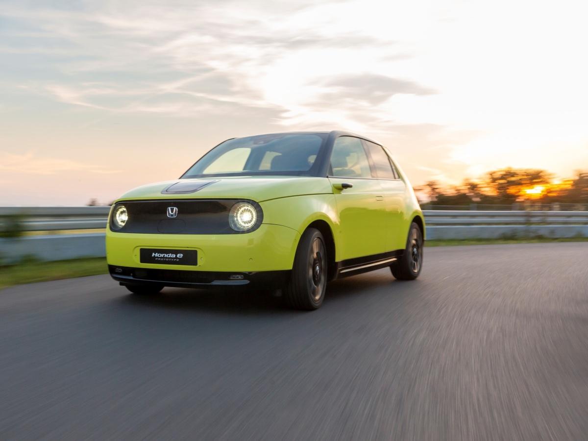 Na elektromobil Honda e si připravte minimálně 899 900 Kč