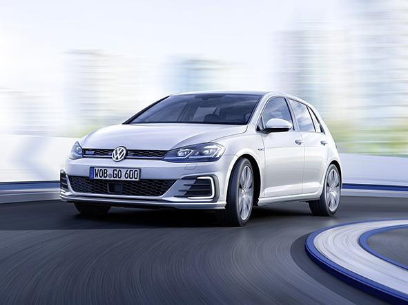 Na Volkswagen e-Golf stačí milion, nově dojede až 200 km