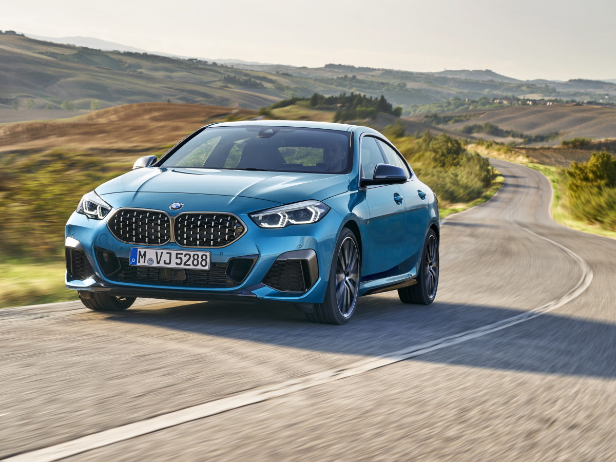 Nové BMW řady 2 Gran Coupé je čtyřdveřový sedan s pohonem předních kol