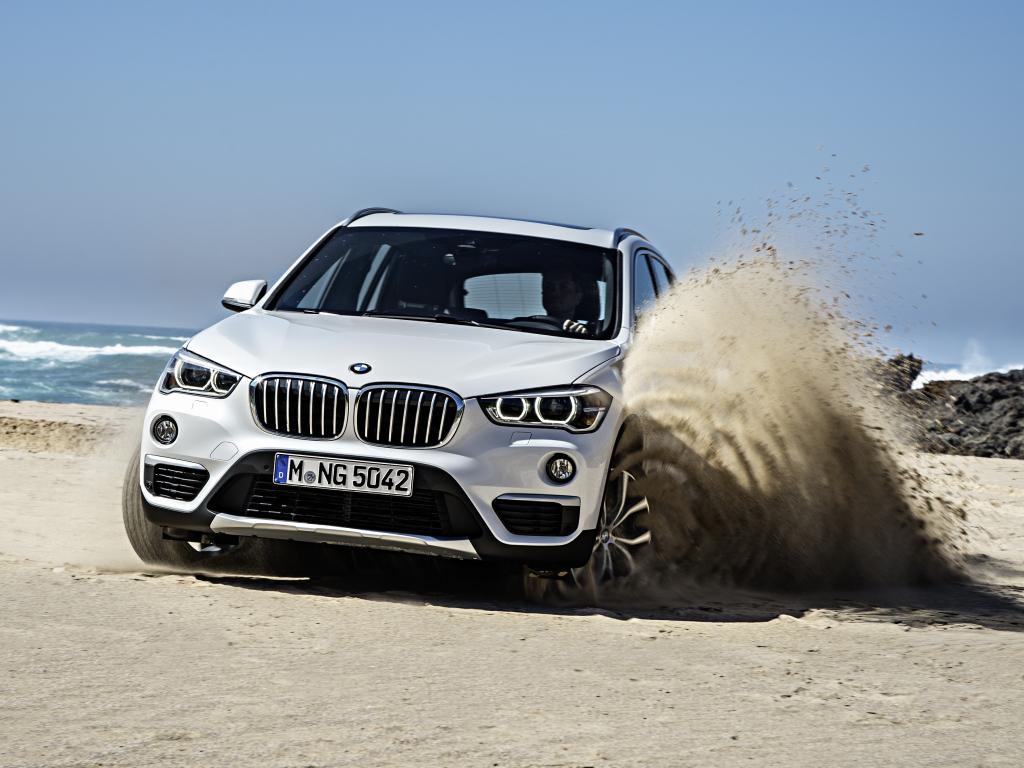 Nové BMW X1 dostalo pohon předních kol, v prodeji od října