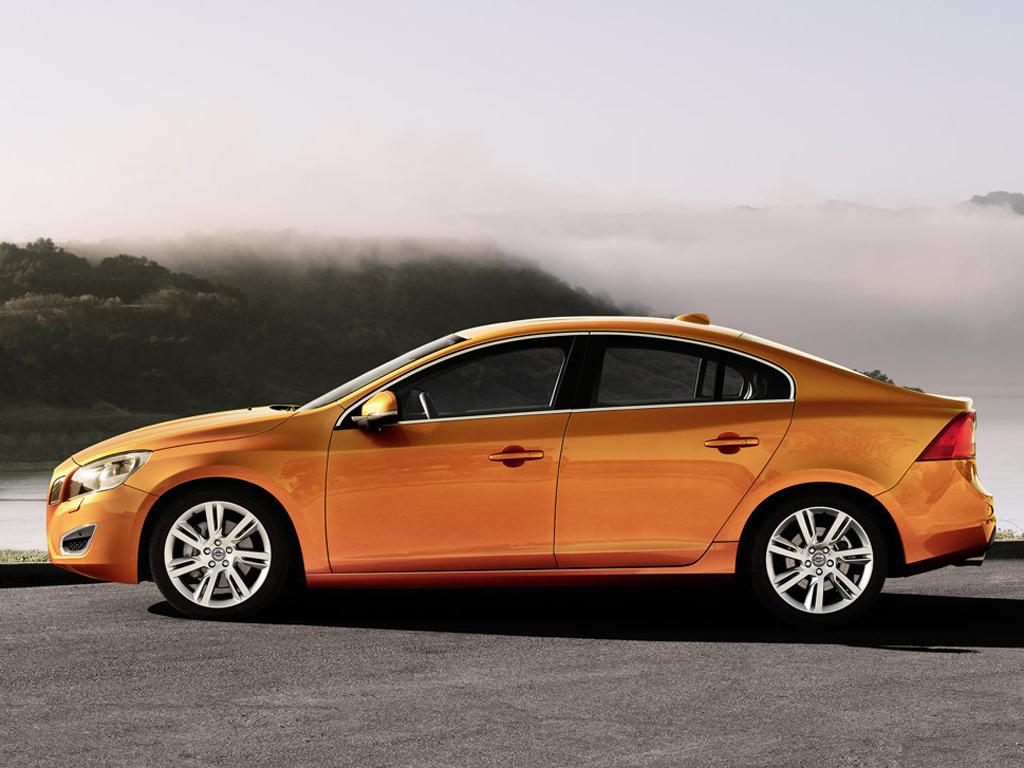 Nové Volvo S60. Svatební dar Číňanům?