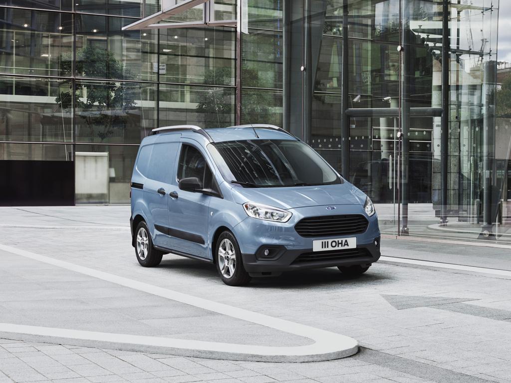 Nového Fordu Transit Connect a Courier se dočkáme až v druhé polovině příštího roku