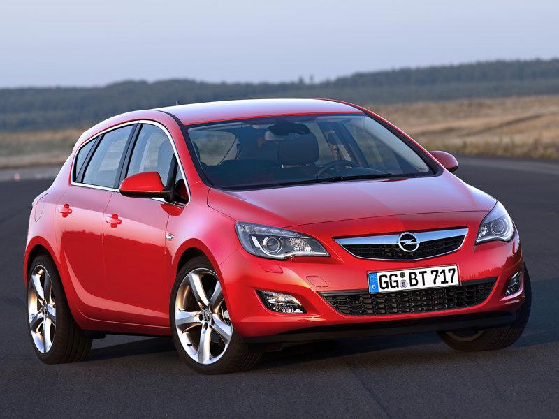 Nov� Opel Astra: Start prodeje v prosinci, cena od 344.800,-