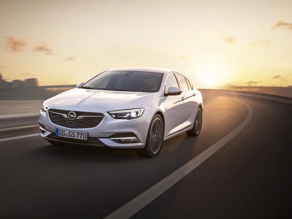 Nový Opel Insignia Grand Sport - informace a fotografie