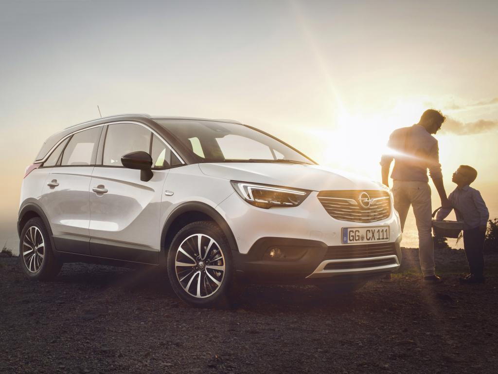 Opel Meriva vyklidí pole nástupci Crossland X