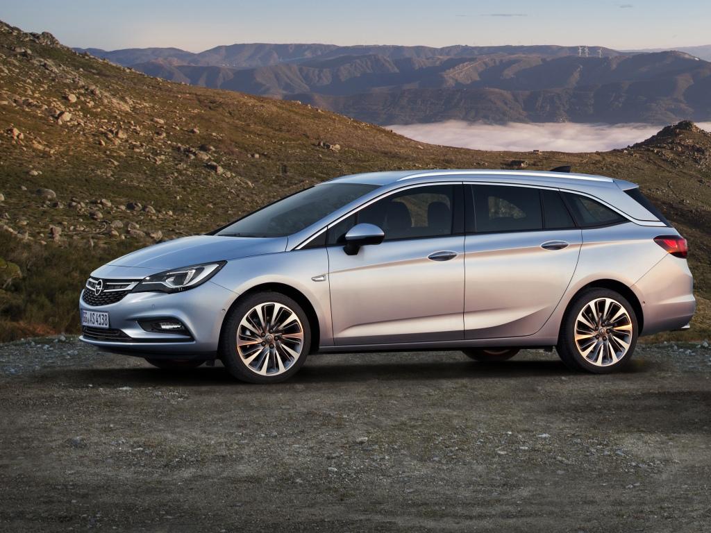 Opel v Česku prodal během 24 hodin 1303 vozů
