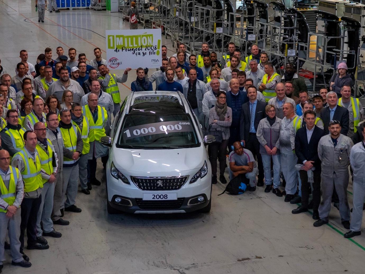 Peugeot 2008 slaví milion vyrobených kusů