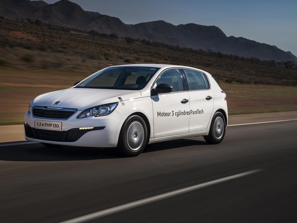 Peugeot 308 1.2 e-THP jezdí za 2,85 l/100 km