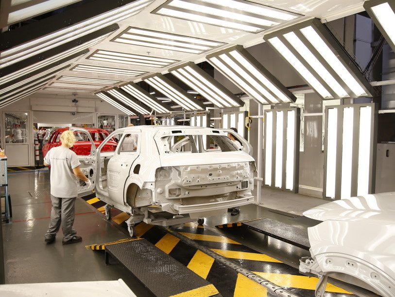 Peugeoty a Citroëny jdou na dračku, PSA zvyšuje výrobu