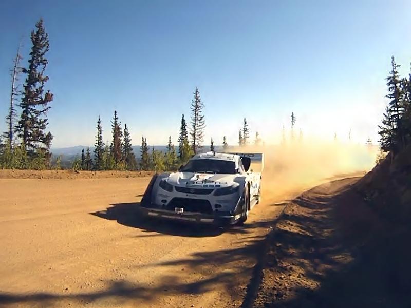 Video: Pikes Peak 2011 - rekordní jízda a stovky kamer
