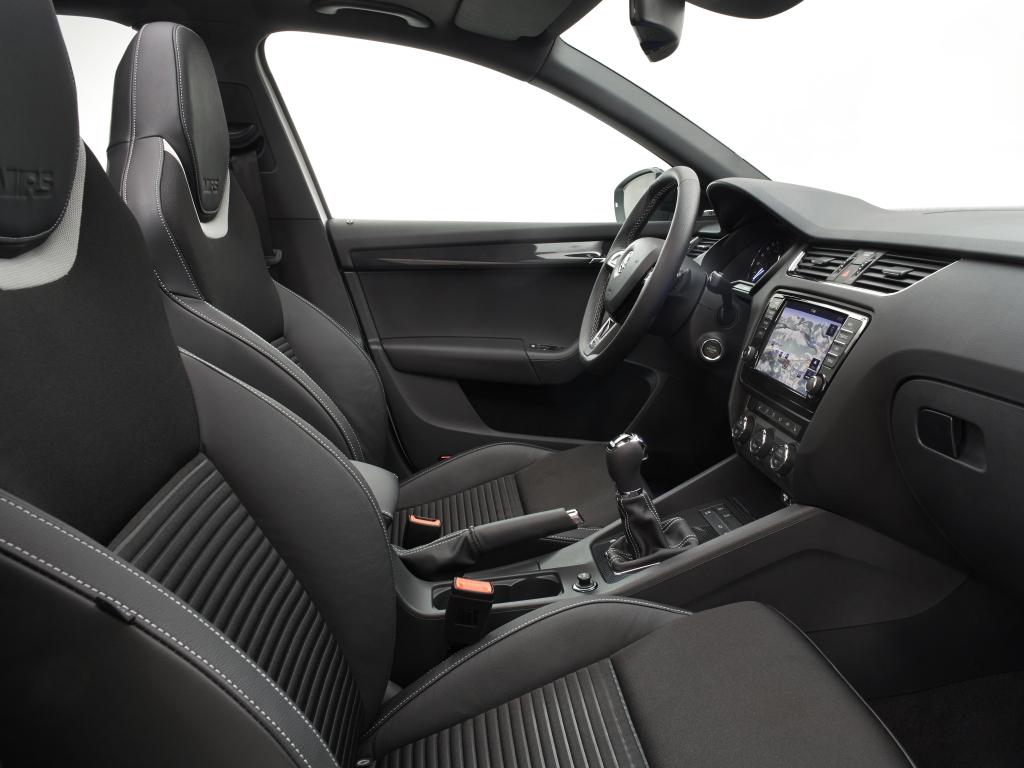Podívejte se na interiér nové Škody Octavia RS