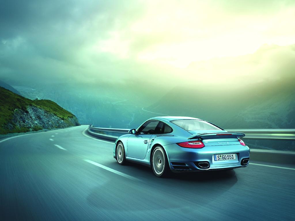Porsche 911 Turbo S: Z nuly na 200 km/h za 10,8 s!