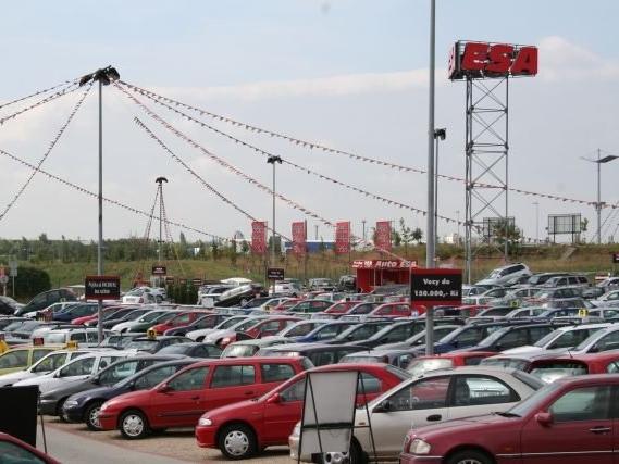 Pozor na přibývající počet prodávaných aut v exekuci
