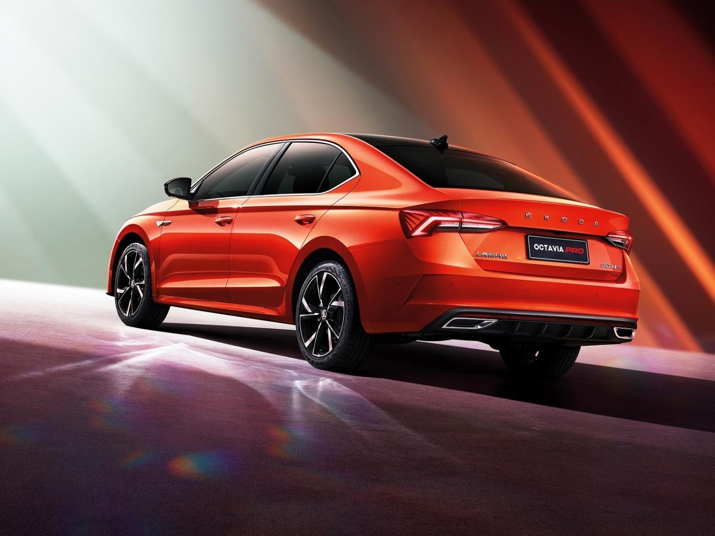 Pro Čínu Škoda připravila Octavii PRO s delším rozvorem a větším displejem