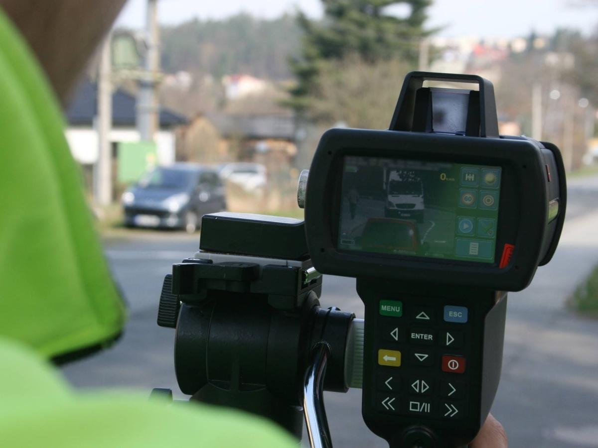 Řidič pozor! V pátek se měří ve velkém - policisté budou na 900 místech