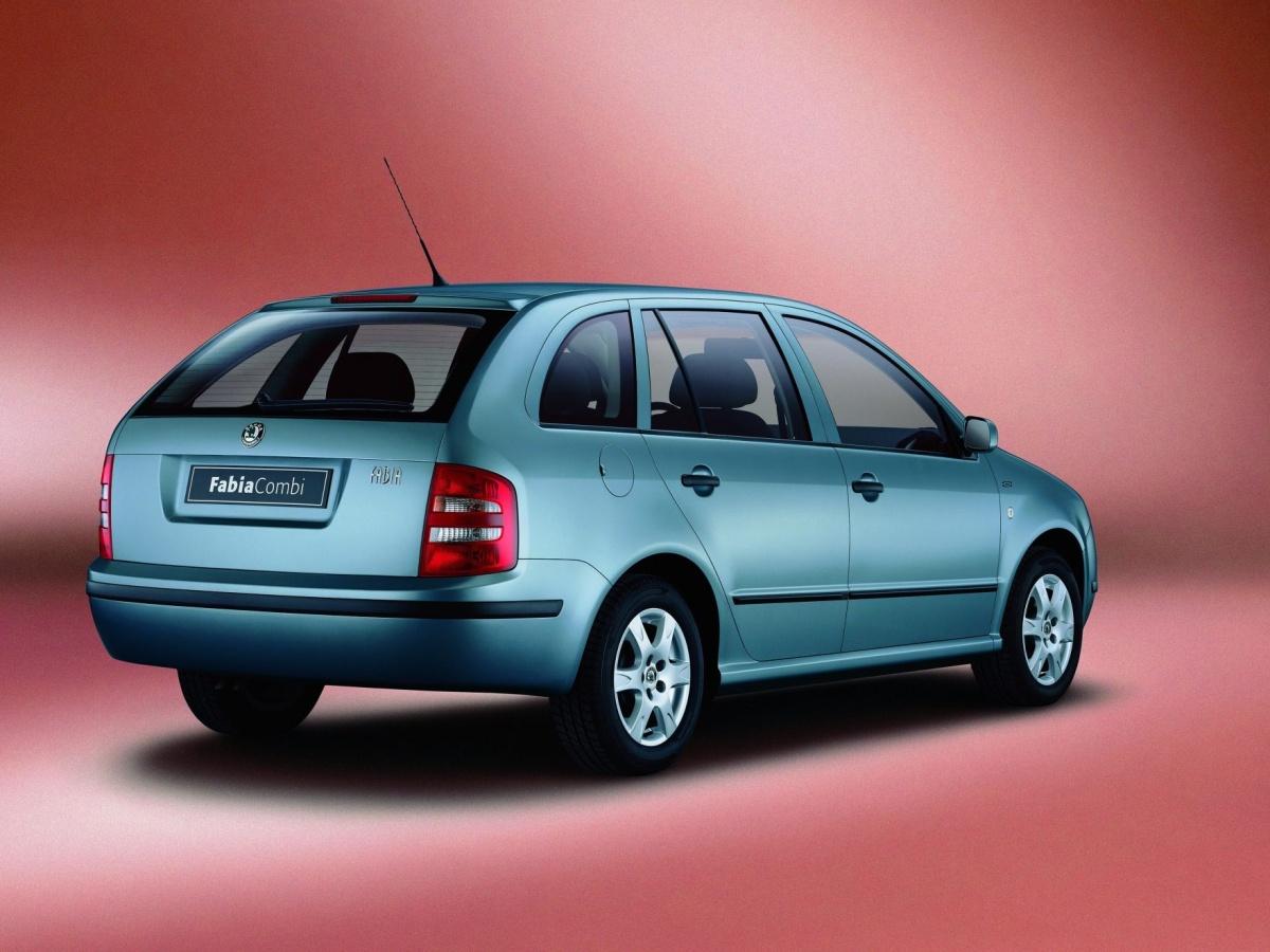 Škoda Fabia Combi, která ve většině případů zastala funkci rodinného vozu, slaví dvacátiny
