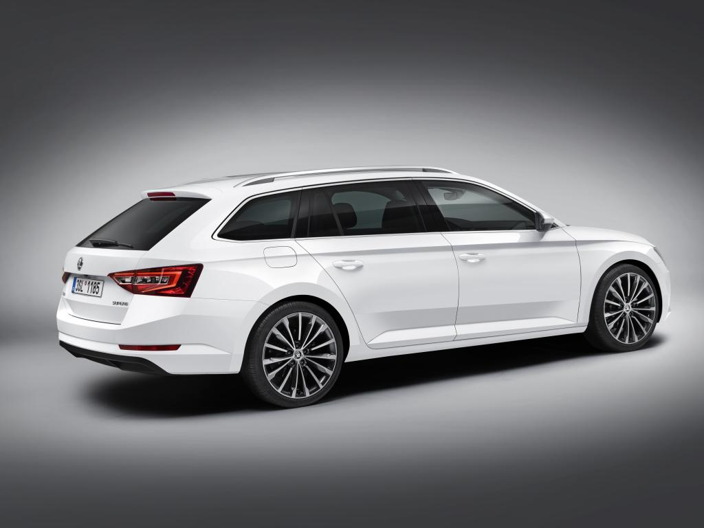 Škoda Superb Combi - nové informace a fotografie