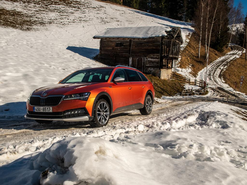 Škoda Superb Scout je populární hlavně s dieselem, velkými koly a Matrix světlomety