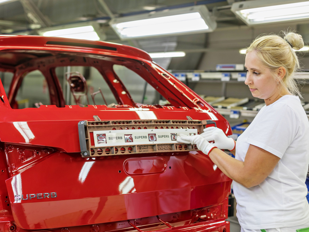 Škoda zahájila výrobu modernizovaného Superbu