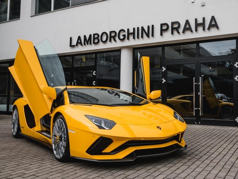 Supersportovní Lamborghini Aventador S je v Česku, stovku umí pod 3 sekundy