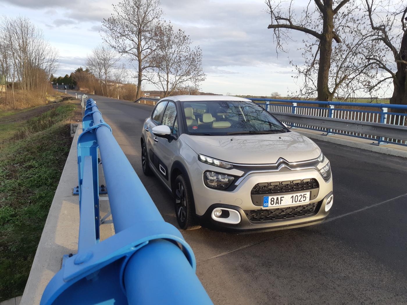 Test: Citroën C3 1.2 PureTech - nic stylovějšího za podobnou cenu nekoupíte