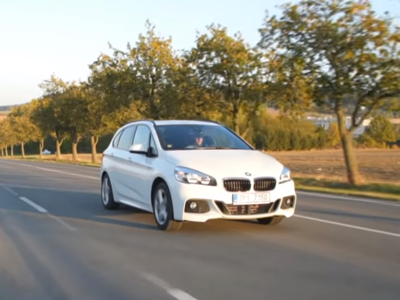 Test ojetiny: BMW 220d Active Tourer M paket (video)