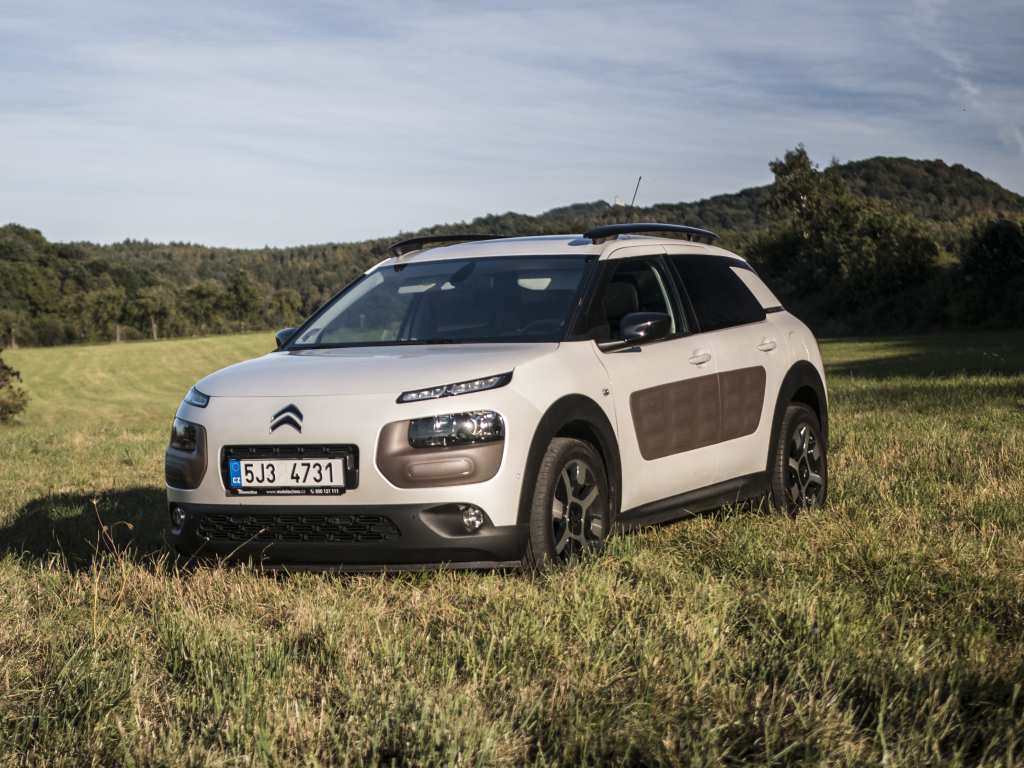 Test ojetiny: Citroën C4 Cactus 1.6 e-HDi ETG6 – ohromit a zaujmout
