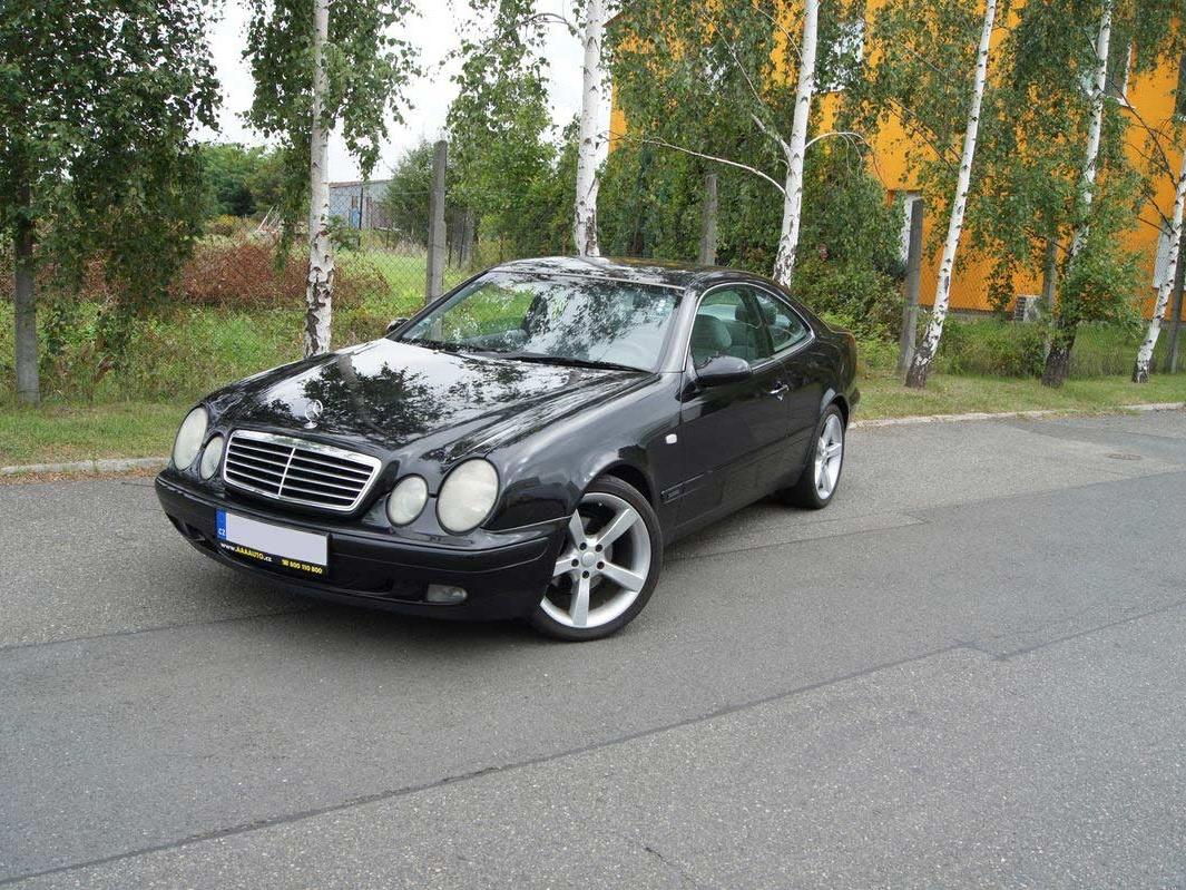 Test ojetiny: Mercedes-Benz CLK – velké kupé či kabrio má stále šmrnc