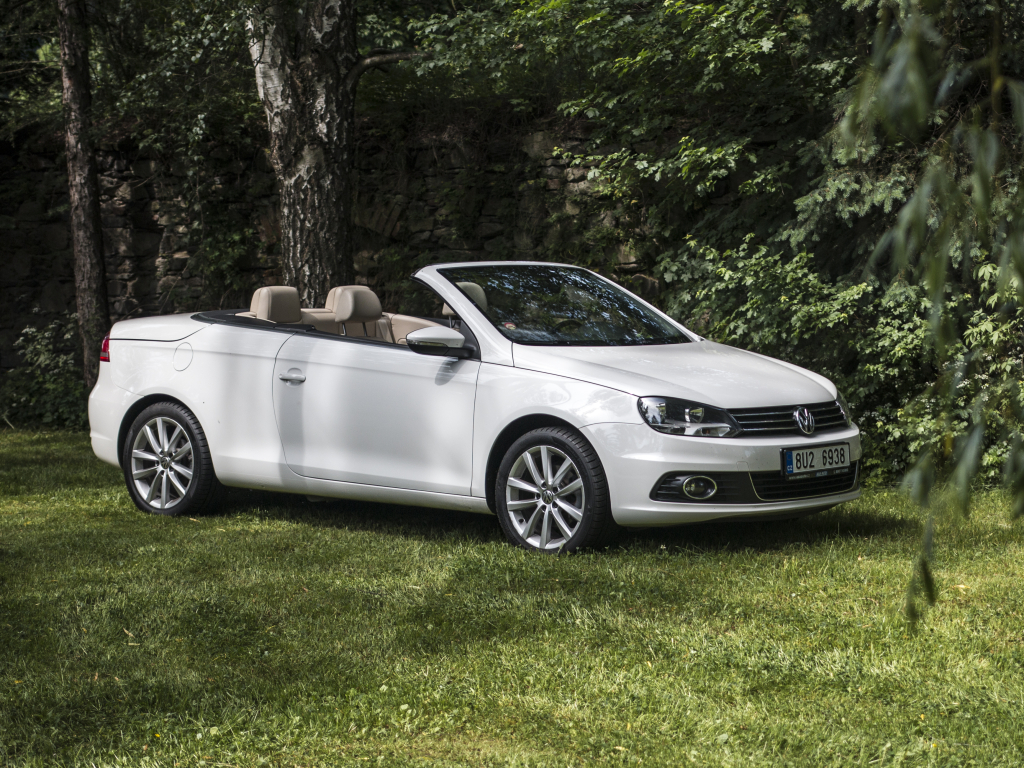 Test ojetiny: Volkswagen Eos 1.4 TSI – léto s Němcem