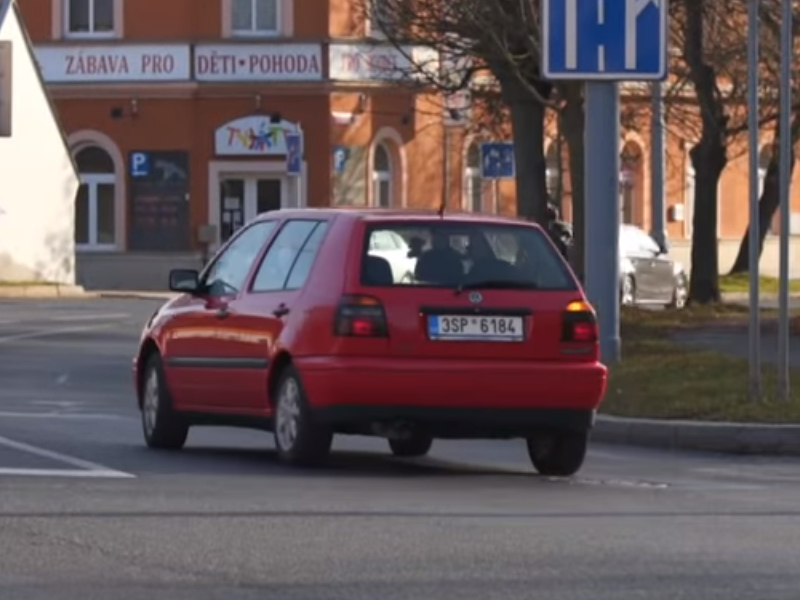 Test ojetiny: Volkswagen Golf III 1.8i Bon Jovi (video)