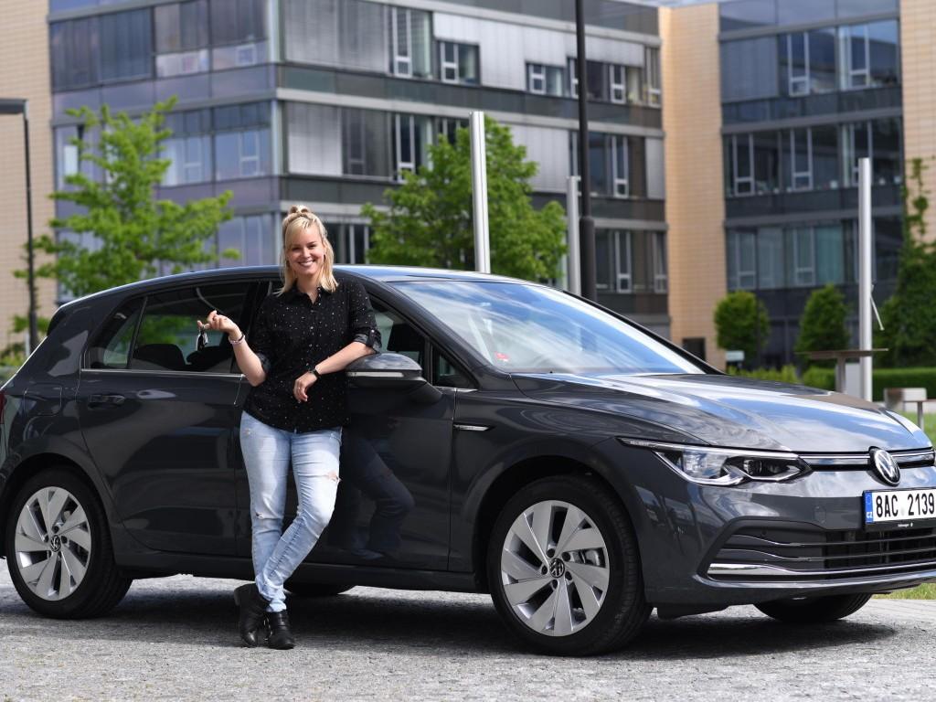 Úspěšná herečka a porotkyně SuperStar Patricie Pagáčová jezdí v novém Volkswagenu Golf