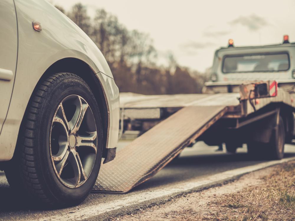 V čem se liší zimní a letní pneu od těch celoročních?