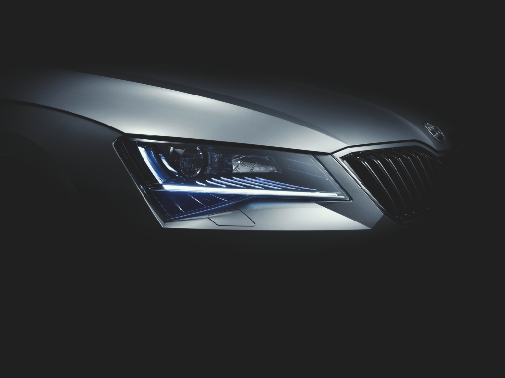 Video: Nová Škoda Superb 2015 se odhalila