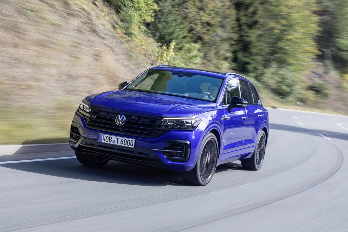 Volkswagen Touareg eHybrid a Touareg R v prodeji, dva miliony nestačí ani na jeden