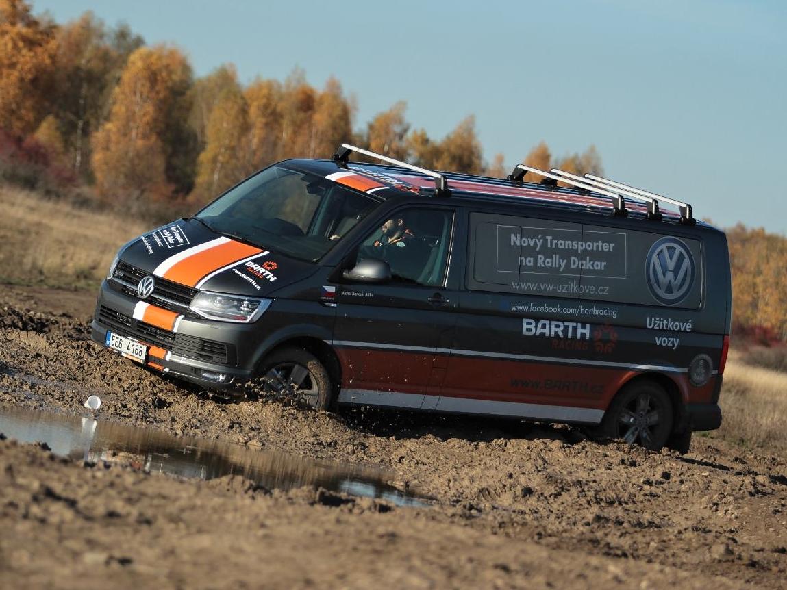 Volkswagen Transporter T6 míří na Rallye Dakar 2016