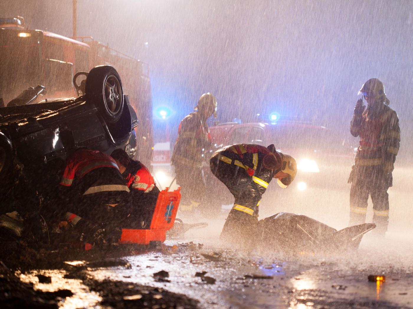 Za tmy je riziko nehody končící smrtí daleko vyšší, rizikovou skupinou jsou chodci